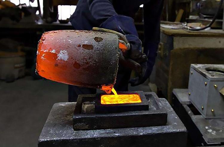中频熔金炉