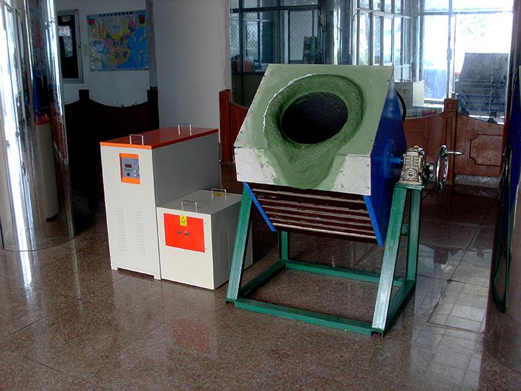 100公斤熔铜炉